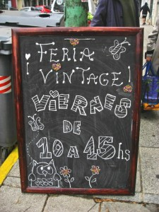 Caritas: La Casa - Feria Vintage sign